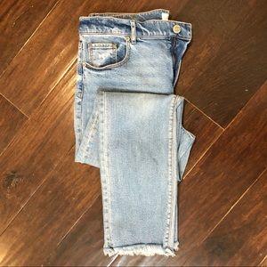 LOFT / modern straight frayed hem jeans